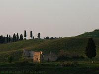 Casa abbandonata lungo il Pian Grande, nella campagna vicino Certaldo